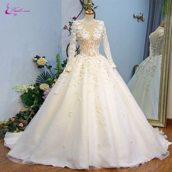 Embroidery Appliques Scoop Ball Gown Wedding Dress