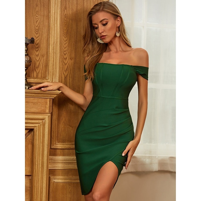 Fashion Tips for Wearing a Green Dress to Work