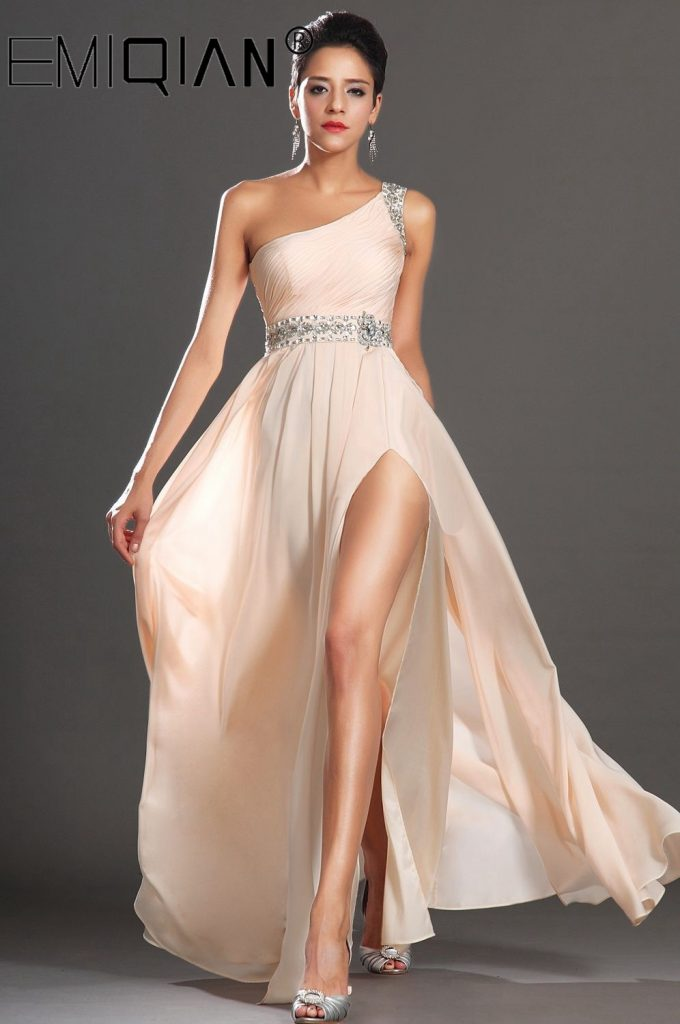 Choosing The Perfect One Shoulder Gown