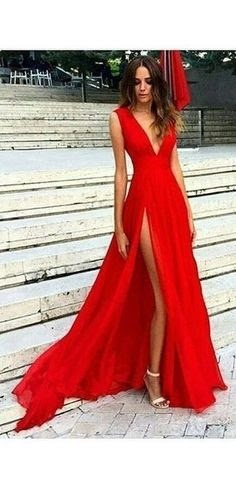 A Look at Popular Red Dresses For Women