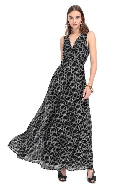 Long Dress For Women Can Be Found in a Variety of Colorful Designs